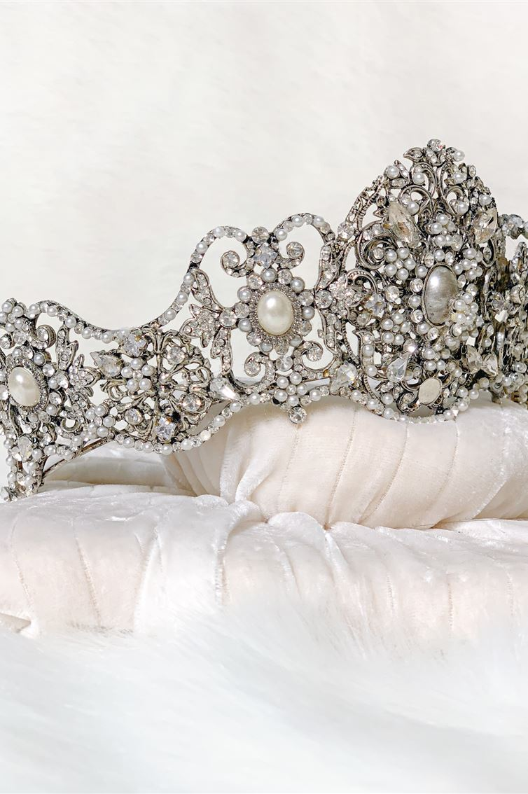 VINTAGE PEARLY CROWN