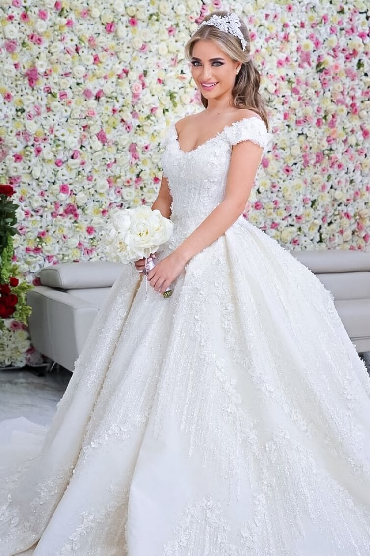 FAIRYTALE MAJESTY - ROUND NECK - BALL GOWN